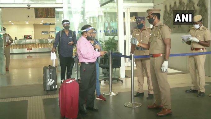 First flight from Delhi's Indira Gandhi International Airport, since resumption of domestic flight operations, lands at Chennai airport  #Lockdown4 #DelhiLockdown #TamilNaduLockdown pic.twitter.com/i0MGekDCWn