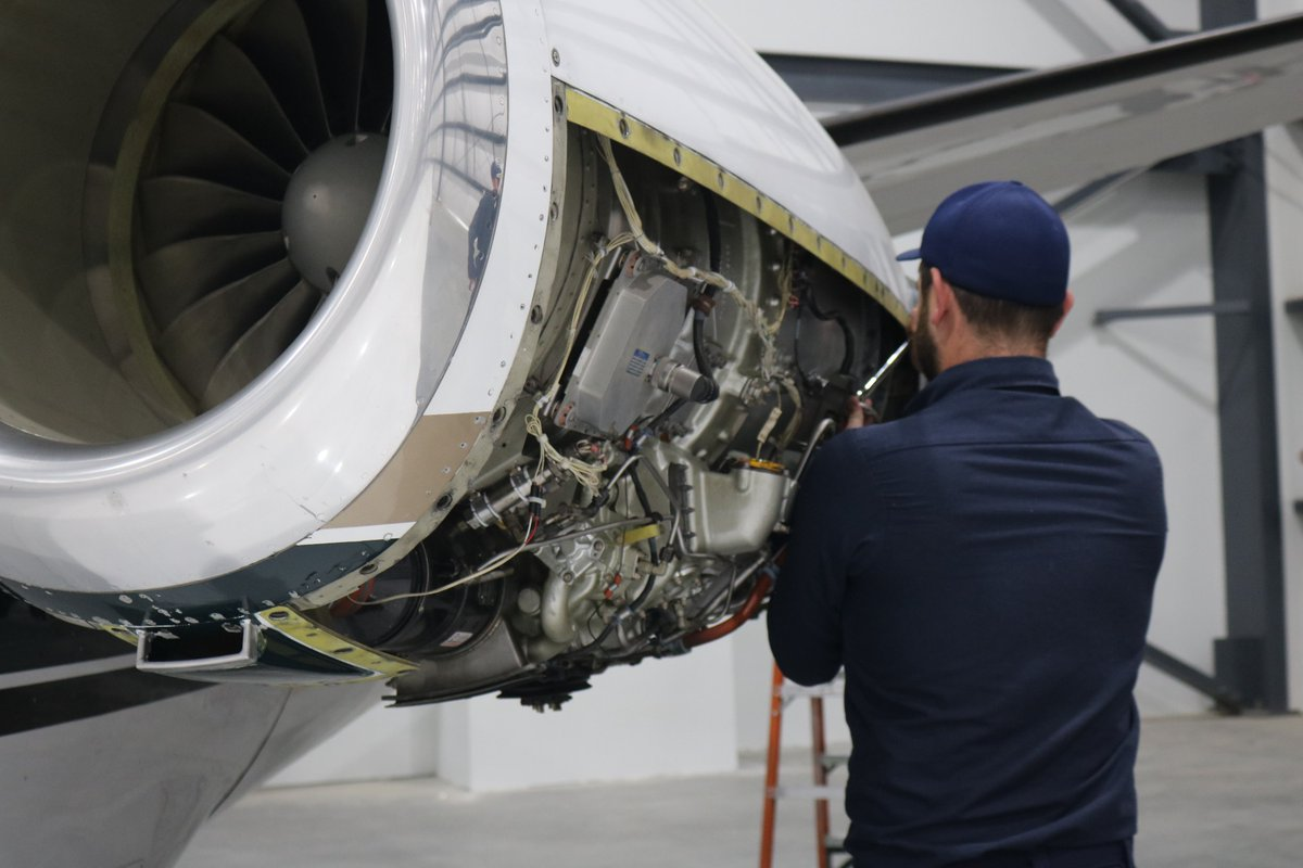 On National Aviation Maintenance Technician Day, we recognize the professional men and women who work tirelessly to ensure aircraft stay in the air flying safely. Happy #AMTDay Desert Jet Maintenance!  #aircraftmaintenance #pilot #bizav #avgeek #desertjet https://t.co/zcgzzNSdb5