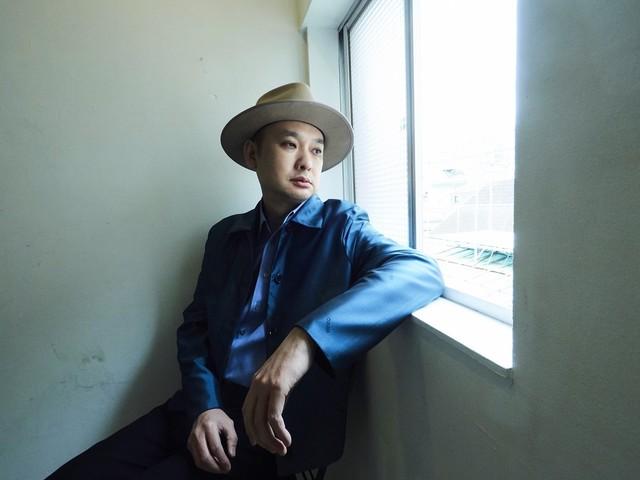 浜崎貴司、55歳の誕生日に下北沢440救済ライブ配信