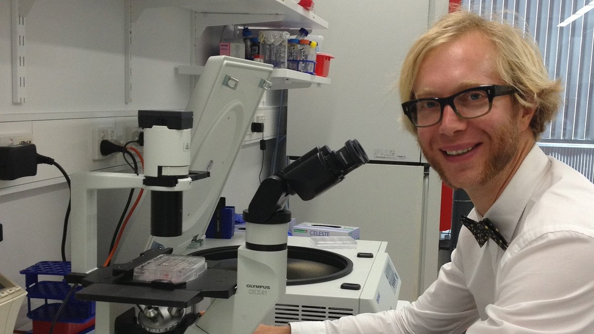 Scientists from @qut_ihbi #TRI are preparing to trial a potential new treatment for #bone #fractures using #stemcells from #placentas. Led by @DrMikeDoran in collaboration with @pahospital & #RBWH clinicians. Funded by @AusStemCell & @InnerWheelInt Aus  ▶ https://t.co/wbt9VqY1JX https://t.co/8t8sYUyAI0