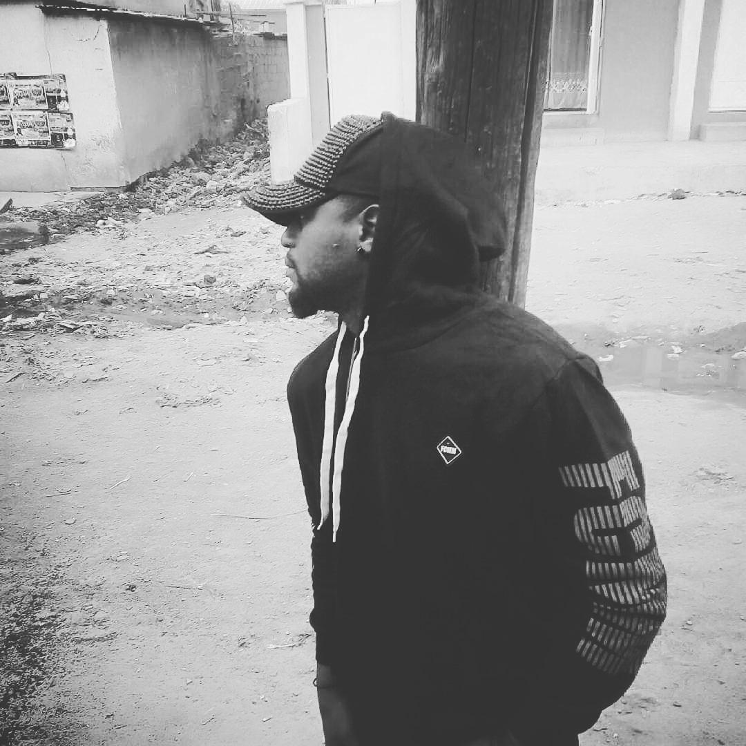 Eid Mubarak to you all ........ #MoodTheEp #LetThemSay #kudimafia🎤🎬 #arewafinext😃😃😃😃😃  :: :: #wemove #correctradiotv #soundcity #arewa24 #arewaweddings #hiphop #oaps #kano #kanooaps #nowmusic #lagos #abujababes #kaduna #kastina #usa🇺🇸 #goodmusic #calabasas #jos #adamawa