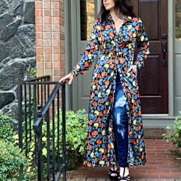 So good I had to share! Check out all the items I'm loving on @Poshmarkapp from @JessicaJeanC @RoseAnn27169532 @Annette41404500 #poshmark #fashion #style #shopmycloset #classicwoman #bigstar #rockrepublic: https://posh.mk/milrZAgAL6pic.twitter.com/yWlUh3onhl