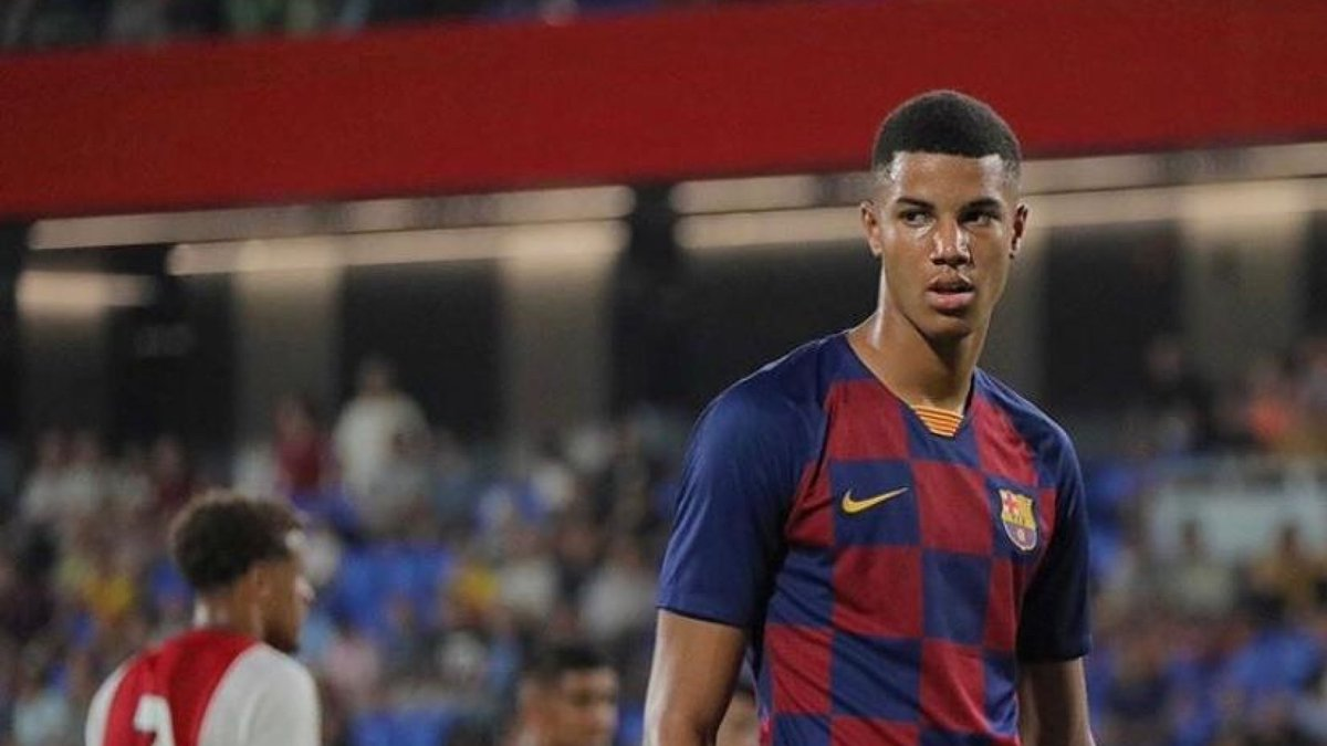 Barcelona and Juventus are in talks over a swap player deal involving Xavier Mbuyamba and Kaly Sene. 👀  [@NicoSchira, Tier 2 🥈]  #ForçaBarça #FCB #JUVE https://t.co/oJzhChgBXz