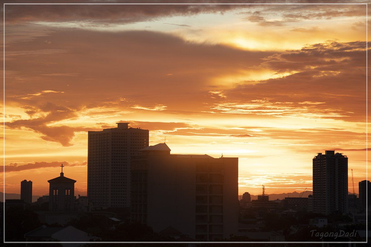 SPANDAU BALLET 25 May 2020  #Sunset pic.twitter.com/zufTDQrxdV