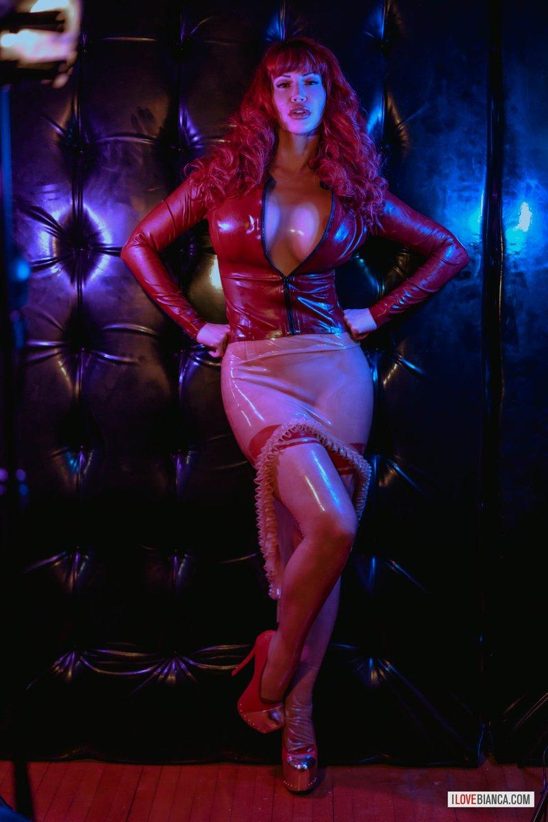 Hues of lust @biancabeauchamp #FetishModel #Glamour #Beauty #Stylish #Queen #Latex #Rubber #Shiny #IloveBianca pic.twitter.com/OSl2sheNrI
