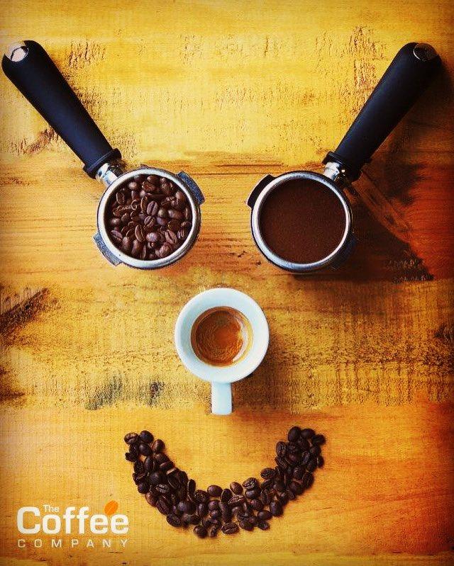 A smile always goes a long way!!! #keepsmiling #coffeelife #bankholidaymonday #welovecoffee #baristalife #coffeetime #coffeelover #barista #coffeebeans #espresso #familybusiness #25yearsold #coffee #tea #hotchocolate #andlotsmore #wholesaler #newtonabbot #devonpic.twitter.com/vsNtYpziaU