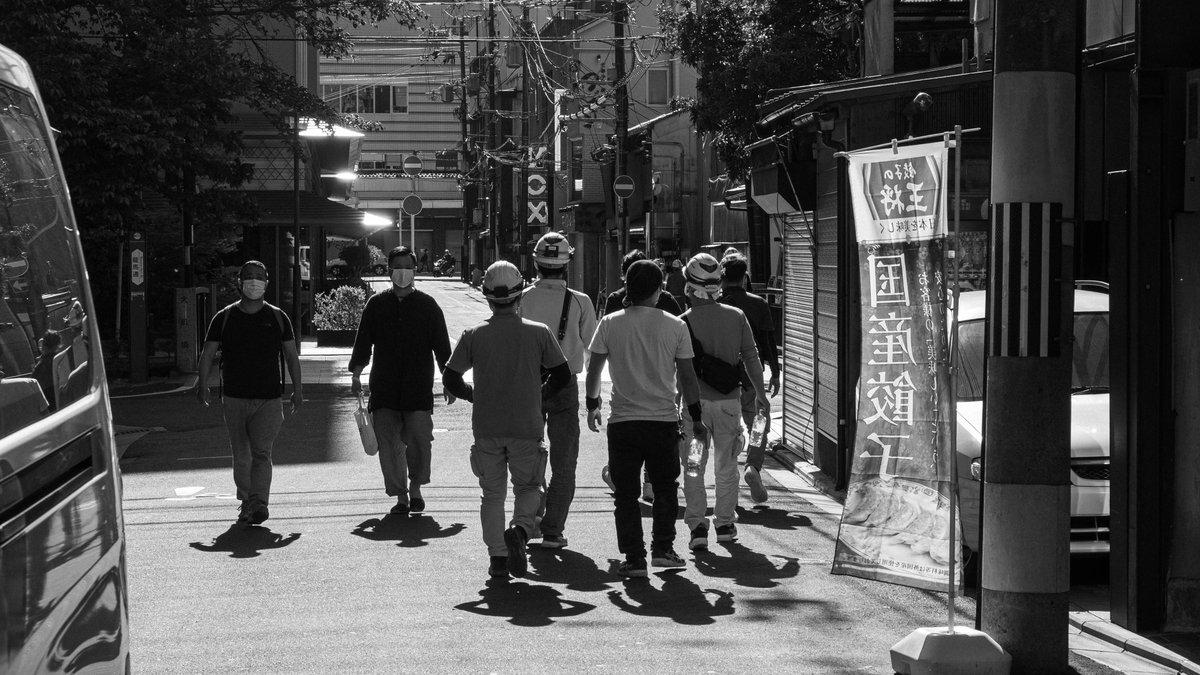 Workers.  #写真好きな人と繫がりたい #ファインダー越しの私の世界  #京都 #photography #streetphotography #blackandwhitephotographypic.twitter.com/4wGu7EbcnL