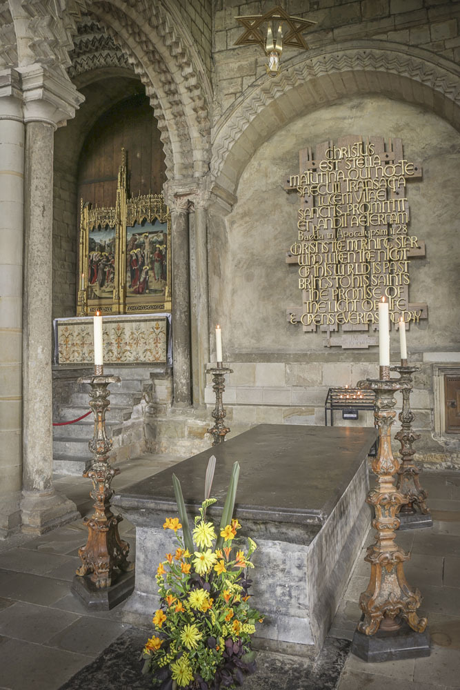 On this feast day of the Venerable Bede, visit the cathedrals blog and read about how the scholar became so closely connected to Durham Cathedral. Read more here: durhamcathedral.wordpress.com/2020/05/22/st-… @BedesBooks