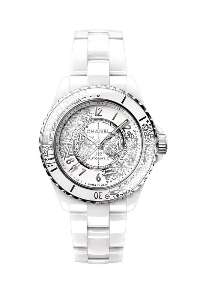 シャネルの腕時計「J12」20周年記念モデル、ライオンやカメリアの花など20のモチーフを散りばめて -
