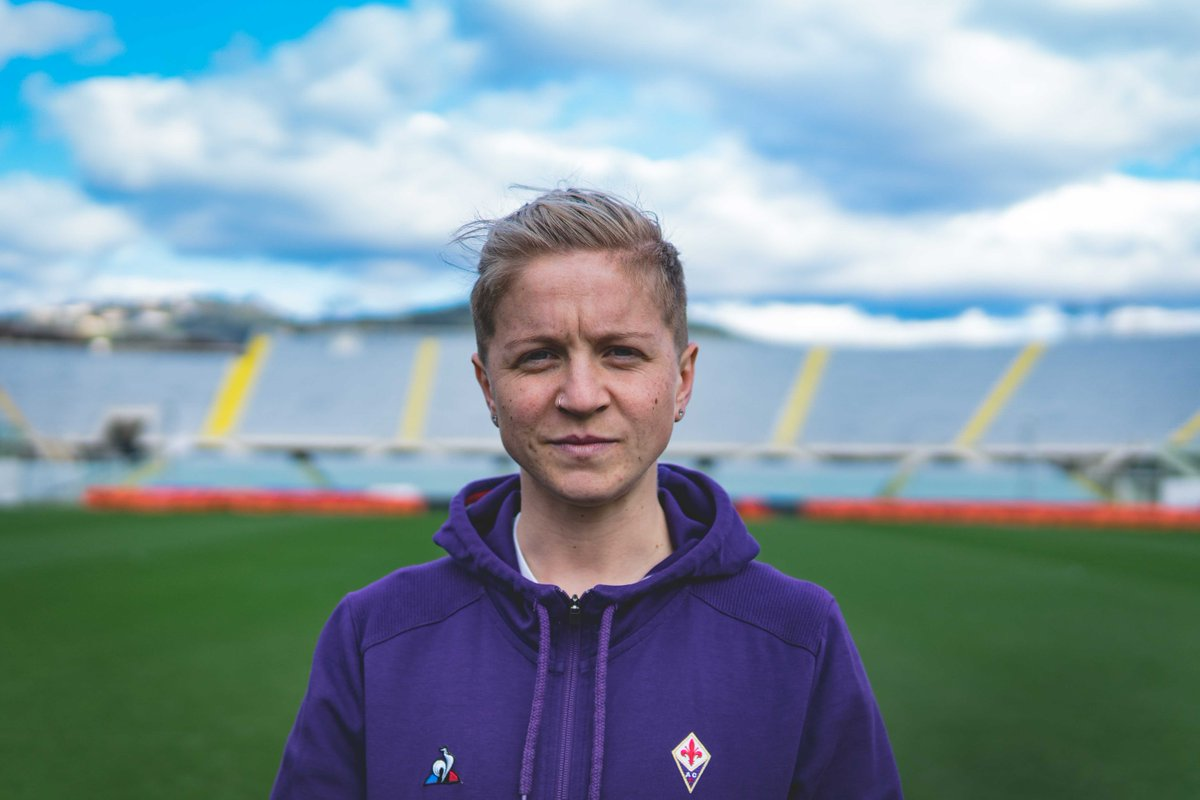 ⬅️⚽️🍀 | Did you miss FUORICAMPO with @LanaClelland ?  🎞 Find out 👉 https://t.co/DvYexItLq9  #ForzaViola https://t.co/APJ8moWfFr