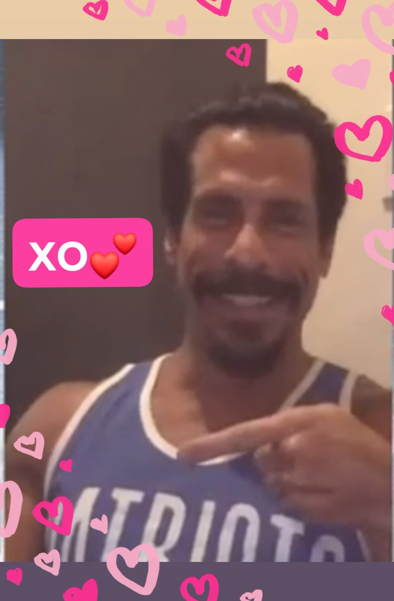 "#HelloMonday Happy #ManCrushMonday! ""Who has the best smile?"" #MyFavoriteGuy @dannywood You are #MySunshine  through the .  XO  #NKOTBLive #PointOn  #KeepOnSmiling pic.twitter.com/U8JESq7JvN"