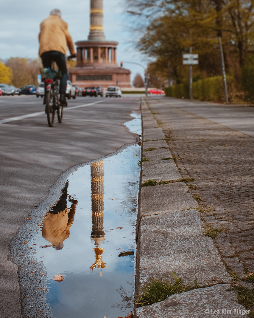 Sliding into the new week like. . .   #MondayMotivation #Berlin pic.twitter.com/pPjYQhW4bu