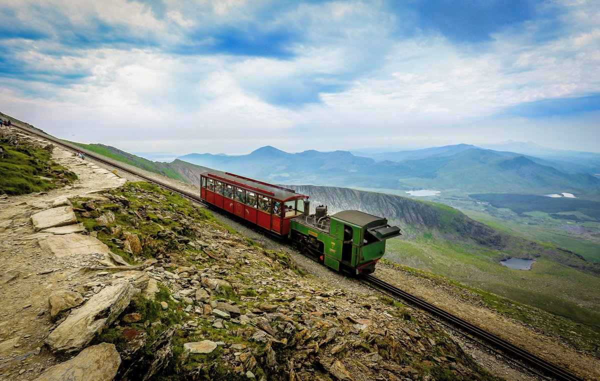 test Twitter Media - Waiting... it will be worth it 🌈🤞  #Snowdon #Snowdonia #NorthWales #bucketlist #MondayMotivation #lockdownuk #BankHolidayMonday https://t.co/57xlVQmdqu