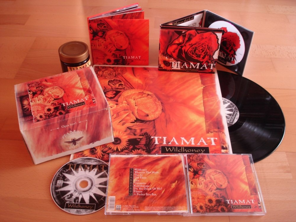 Metalcollection of the Day: Tiamat  - Wildhoney - Masterpiece!!! #Tiamat #Heavymetal #Metal #90s #Vinyl #Metalvinyl #Metalbox #Metalcollection @ChurchofTiamat #Deathmetal #Gothicmetal #Death #Gothicpic.twitter.com/pj80rclRm2