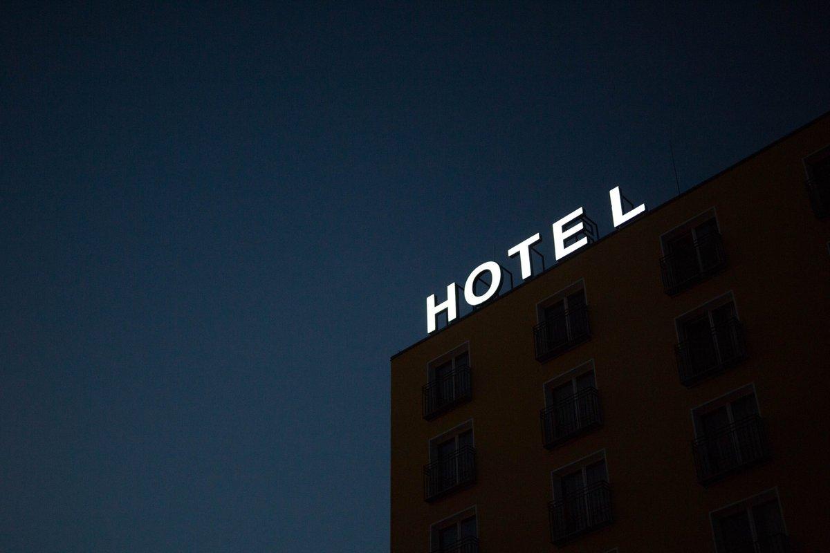 #Fase1 - En #AlcaládeHenares abre puertas los #hoteles @CampanileSpain e #IbisBudget desde hoy lunes 25 #mayo Ambos hoteles han realizado trabajos de desinfección y han habilitado sus estancias para cumplir con las pautas de seguridad, higienización y salud de la normativa actual https://t.co/jtFFjpsL4G