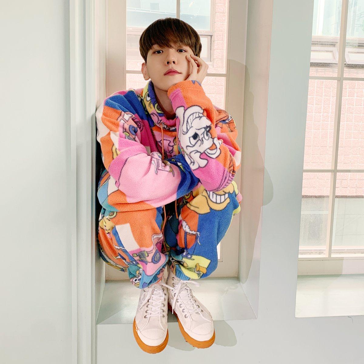 에리들이 골라준 옷 입고 진행한 백현의 'Candy' Shop🍬!🙂 모두 즐거우셨나요? 🐶❤ NOW EVERYBODY LISTEN TO Candy WITH ME! ( ´.ㅅ` )ノ🍬🍭 #백현 #BAEKHYUN #엑소 #EXO #weareoneEXO #Delight #Candy #BAEKHYUN_Candy #큥이_에리_기가막힌_케미스트리