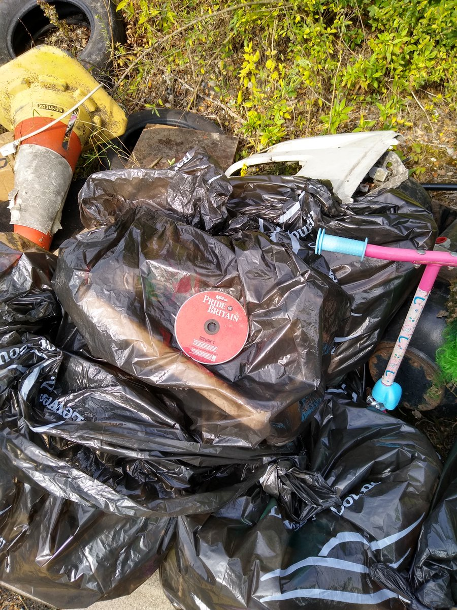 CPRE has produced a report on litter law cpre.org.uk/resources/litt… Unfortunately @HighwaysEngland strims the A27 without litter picking so all plastic is in tiny pieces and slowly entering watercourses and killing wildlife @KeepBritainTidy @SussexWildlife