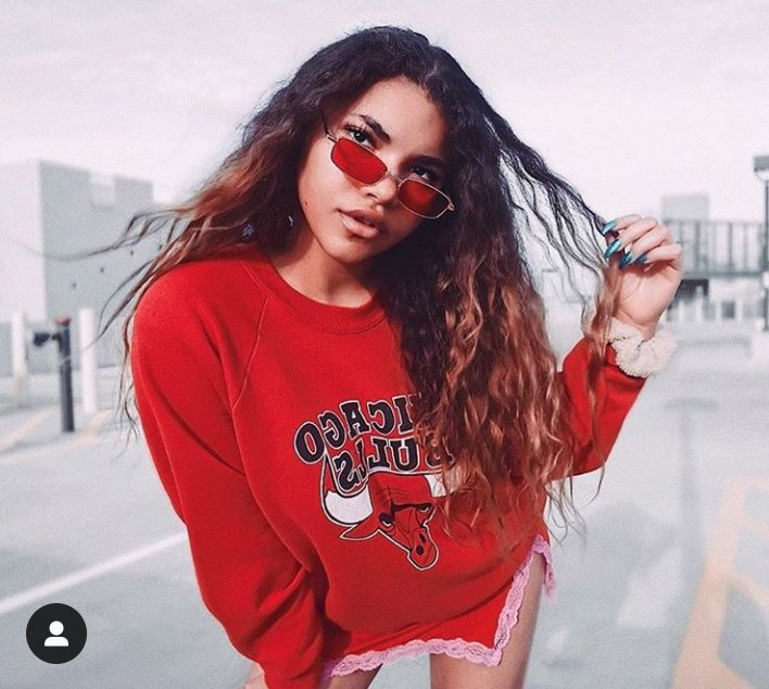 Aye aye aye  Aye  Ayeee  Ayeee Ayeee ayeee   Now that I have your attention,  #Vintyle has Awesome trendy SunGlasses for Men & Women. 😍💞 25% off if you use my Code 😎😮 #VintyleAmbassador #fashion