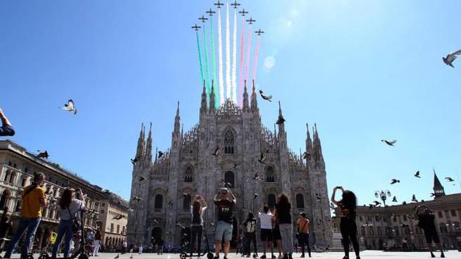 Che orgoglio  #Milano #freccetricolori #insieme pic.twitter.com/gqNmHMmymK