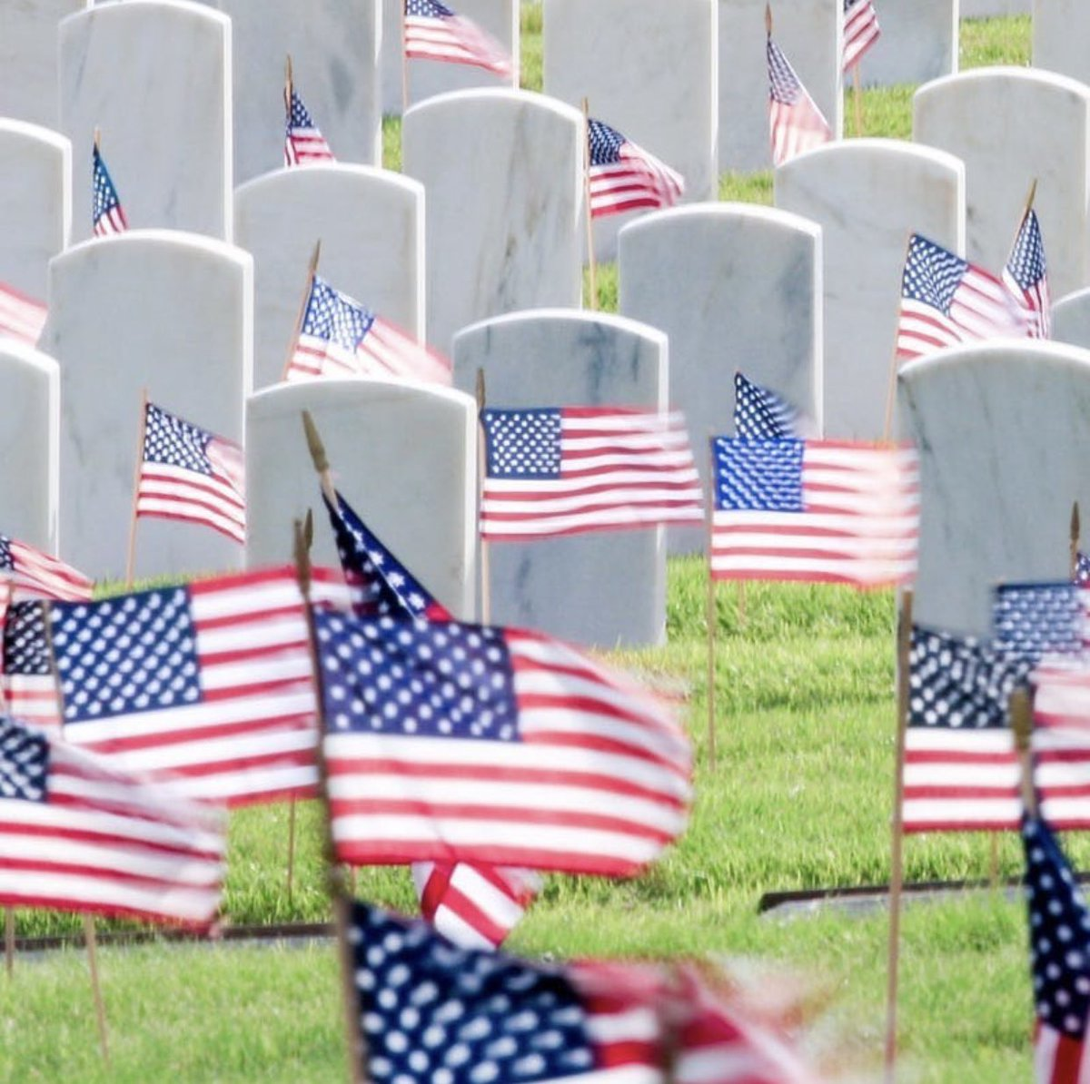 God bless our fallen heroes. 🇺🇸 God bless the families of the men and women who have sacrificed their lives for our freedom. 🇺🇸 God bless all who have served. 🇺🇸 God bless America. 🇺🇸 #MemorialDay