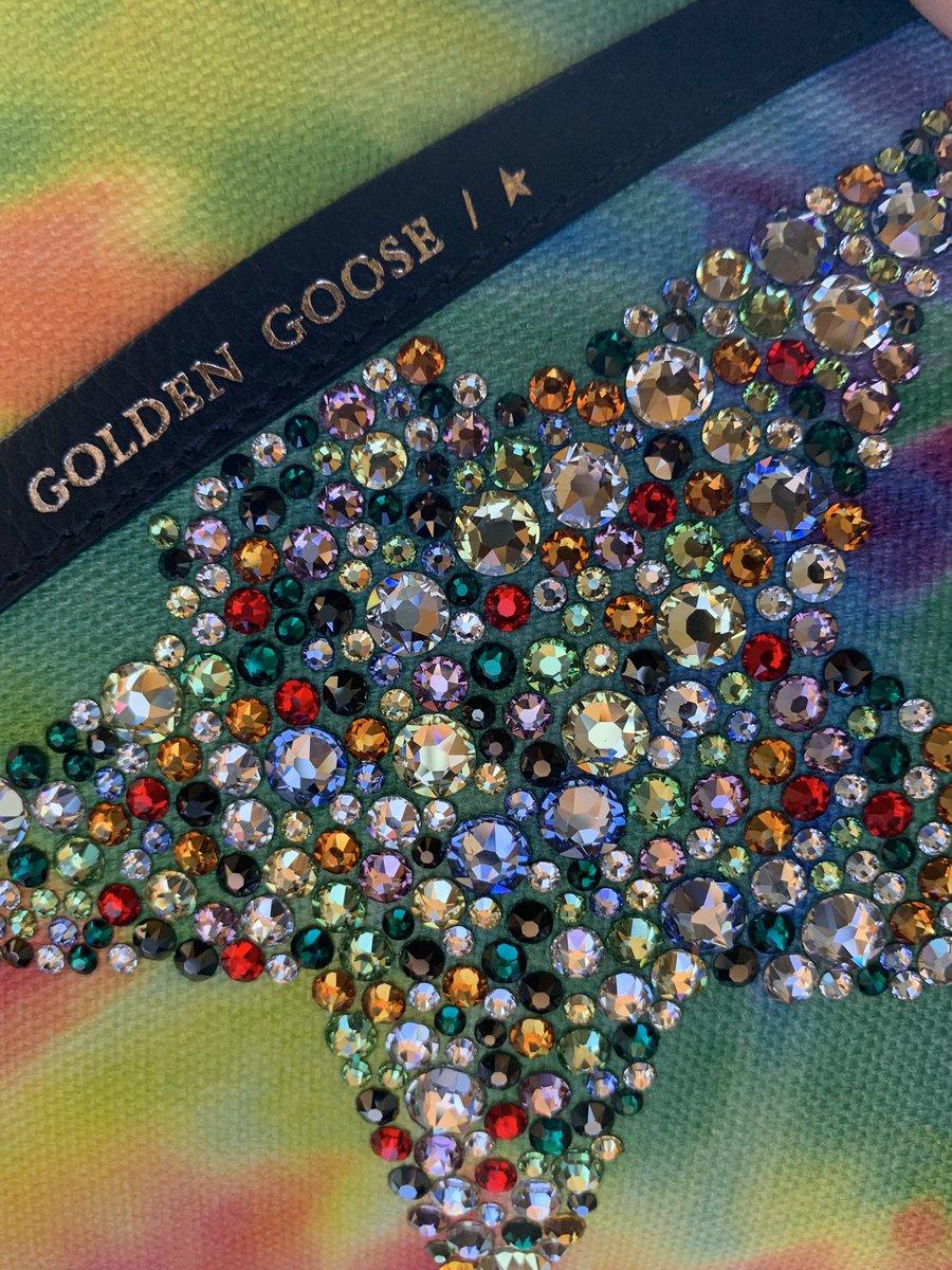 Dream bag #GoldenGooseDeluxeBrand #GGDB #BirthdayGift #inlovepic.twitter.com/4ooJEmzZU7