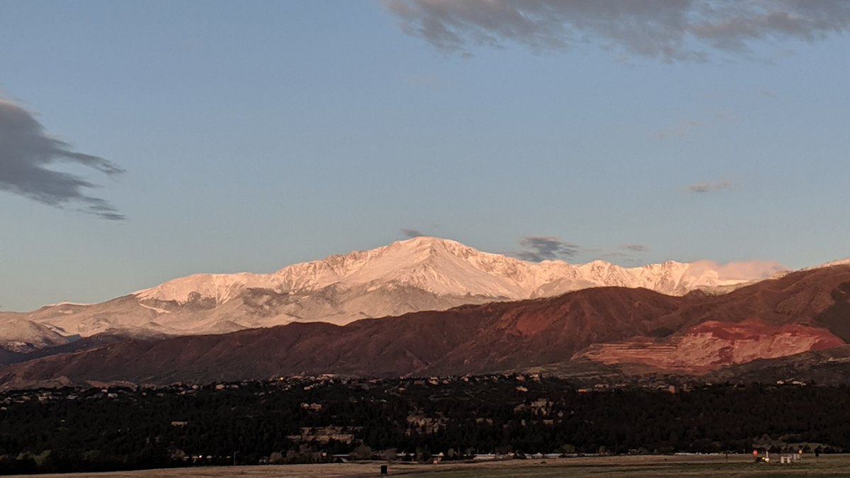 Pike's Peak lit up nicely with a fresh coating of snow. #cowx