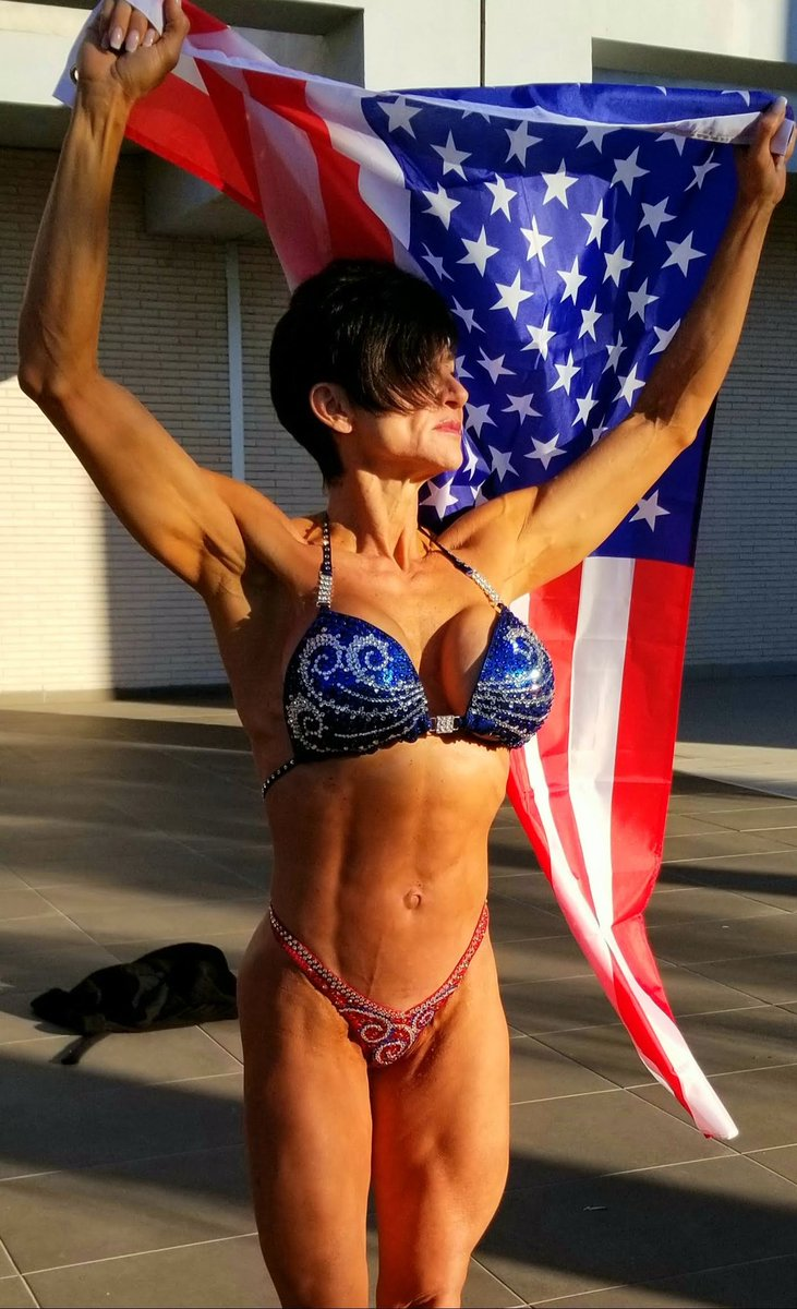 Happy Memorial Day  Home of the FREE  because of the BRAVE  Thank you  #enjoylife #memorialday #america #heroes  #trainer #ifbbelitepro  #musclegirl #brave #military  #bodybuilding #ripped #strength #determination #consistency #girlsthatlift #athlete #fitmompic.twitter.com/ZFAw29htCZ