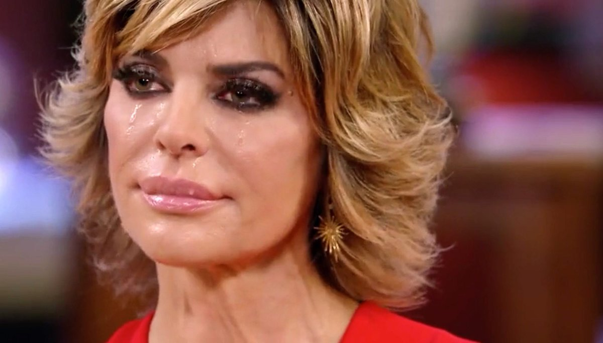 10. Lisa Rinna - RHOBH  Rinna joined in season 5 and helped to add fuel to the fire of the Kyle/Kim/Brandi fued. The saviour of season 6 which would've been SO dry without her, I love her dedication to driving the narrative when the other women haven't had a storyline pic.twitter.com/rhpKM9XJqO