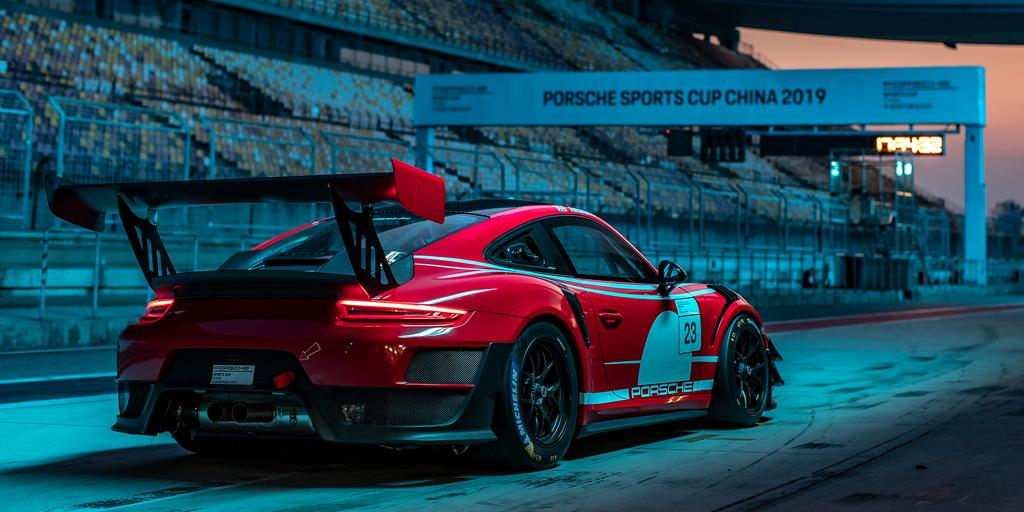 Amazing from any angle.  #PorscheCustomerRacing #Porsche911GT2RSClubsport<br>http://pic.twitter.com/tf7MRuNgWE