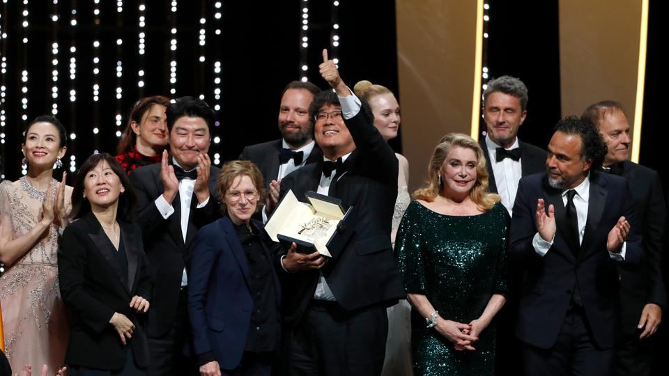 One year ago today, Bong Joon-ho's 'Parasite' won the Palme d'Or at Cannes ✨ https://t.co/0LcmlJ94gX