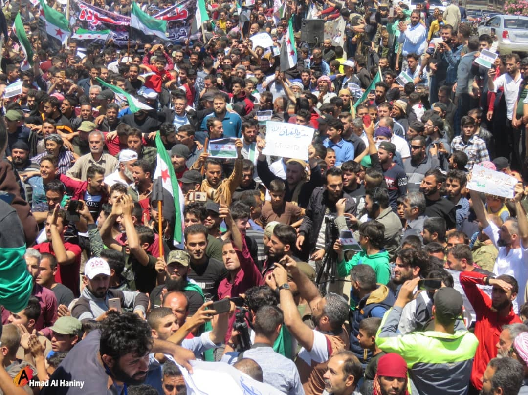 Protests in Idlib today along the M4 highway under the title The flood of Return demanding that the regime withdraw from areas captured during the last offensive so hundreds of thousands could return home.