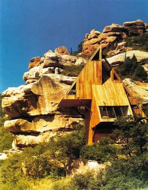 Mountain Cabin by Arley Rinehart Associates #architecture #arquitectura pic.twitter.com/XXTSk3rheg