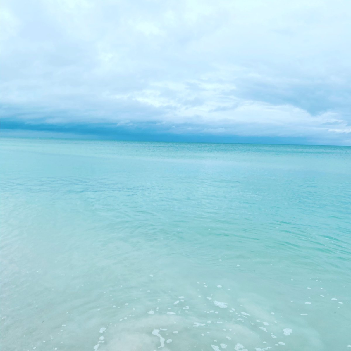 Cloudy day. #SaltLife #MondayMorning #Paradise #blessed #beachpic.twitter.com/vasuaHwHfh