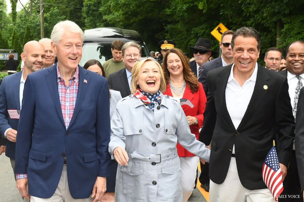 I'm missing our Chappaqua Memorial Day parade today while also feeling grateful to leaders like @NYGovCuomo for making responsible decisions to keep people safe.   Wishing everyone a safe and healthy holiday. @BillClinton and I will be waving our flags at home. 🇺🇸