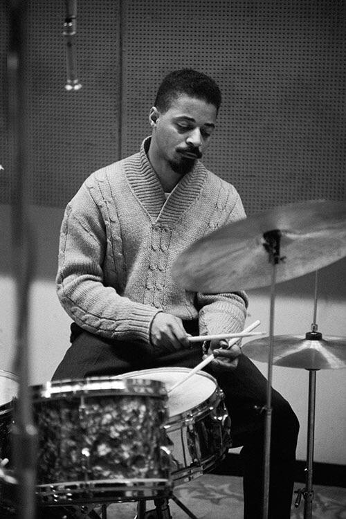RIP Jimmy Cobb, 91, wonderfully smooth and swinging drummer, last survivor of the Kind of Blue sessions. <br>http://pic.twitter.com/XJ8QMG1Eqm