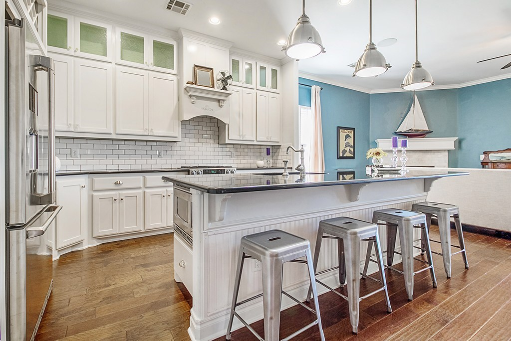 Discover the average cost for a complete #kitchen remodel. #hometips  http://cpix.me/a/97984588 pic.twitter.com/UDkwlsHk62