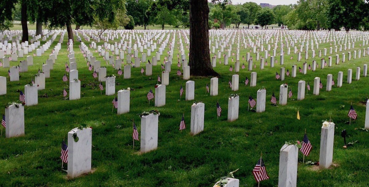 So raise your bottle to the boys and let's remember, all the fallen and the price they had to pay.🇺🇸🇺🇸🇺🇸