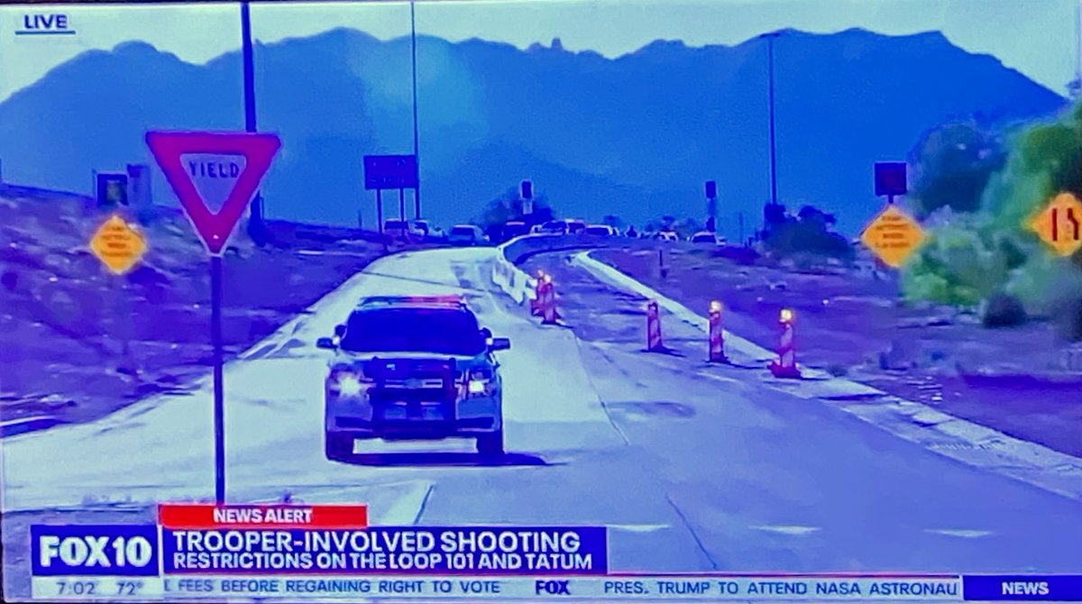Updating you on the latest from the 101 Freeway—-where EASTBOUND lanes are all still shut down at Tatum.  This was a trooper involved shooting.  No troopers were hurt.  One person hit was rushed to the hospital.  #fox10phoenix https://t.co/HD5c2qtVJ8