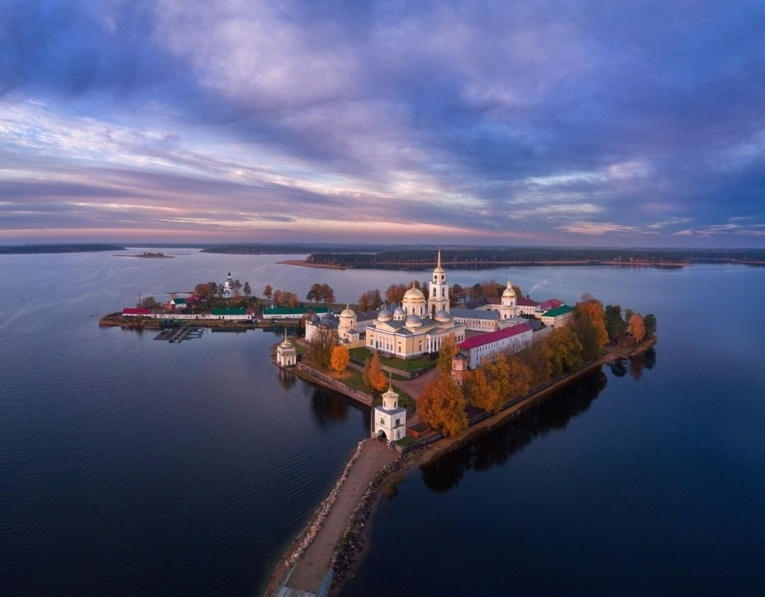Stolobny Island is an island on Lake Seliger in the Tver Oblast of #Russian about 10 km north of the town of Ostashkov #NaturePhotographypic.twitter.com/nr3vsGkcPM