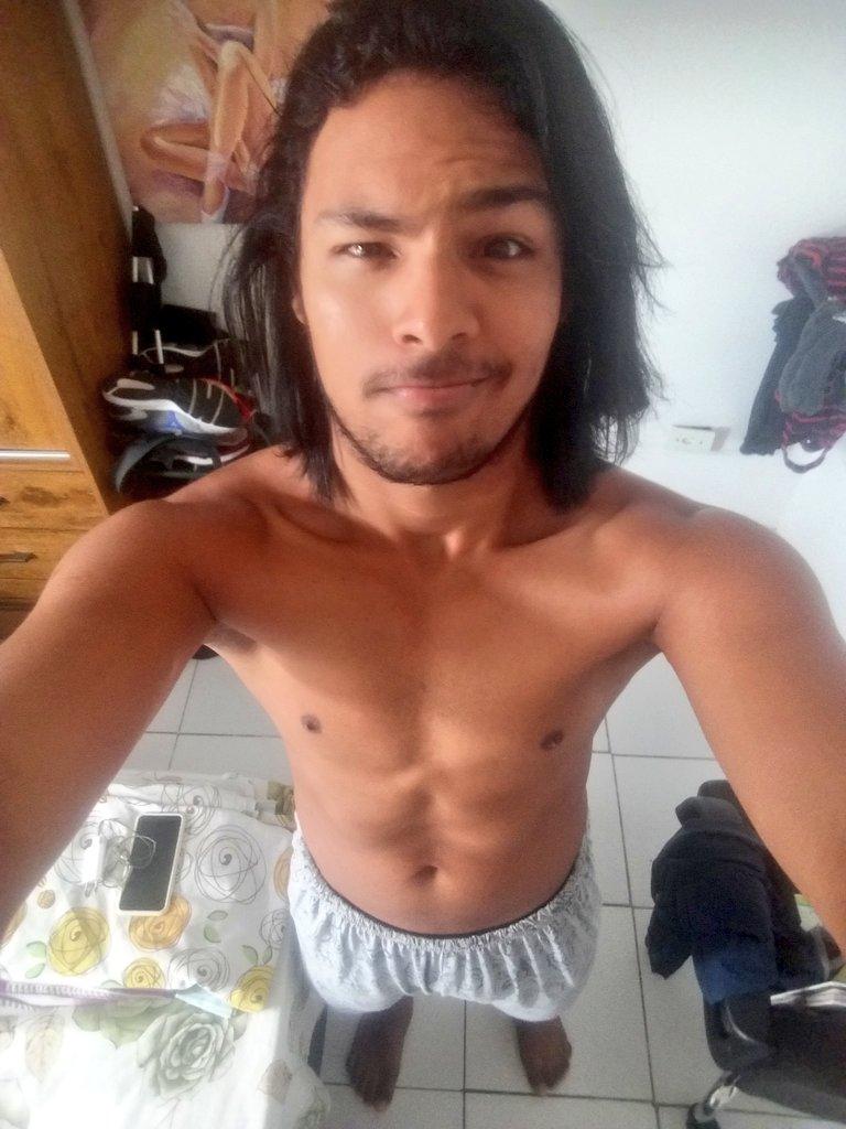 Segunda-feira 🌦🌦🌦 no meu Recife😍 . . . . #Bomdia #DiaDeChuva #Cabeludo #CabeloGrande #Gordinho #Barbudo #CaraDeSono #RecifeChuvoso #MaisUmDia🙏🏽 #MaisUmaSemana🙏🏽 #gay