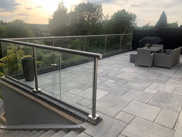 A beautiful newly refurbished terrace with amazing looking Orbit Balustrade system . Great place to enjoy the evening sunshine.   Enhance your views. http://ow.ly/Pi6F50zMzxN   #balconette #hybrid #orbitbalustrade #glassbalustrade #balustrade #toughenedglass #patio #terracepic.twitter.com/JOTrUk1FZI
