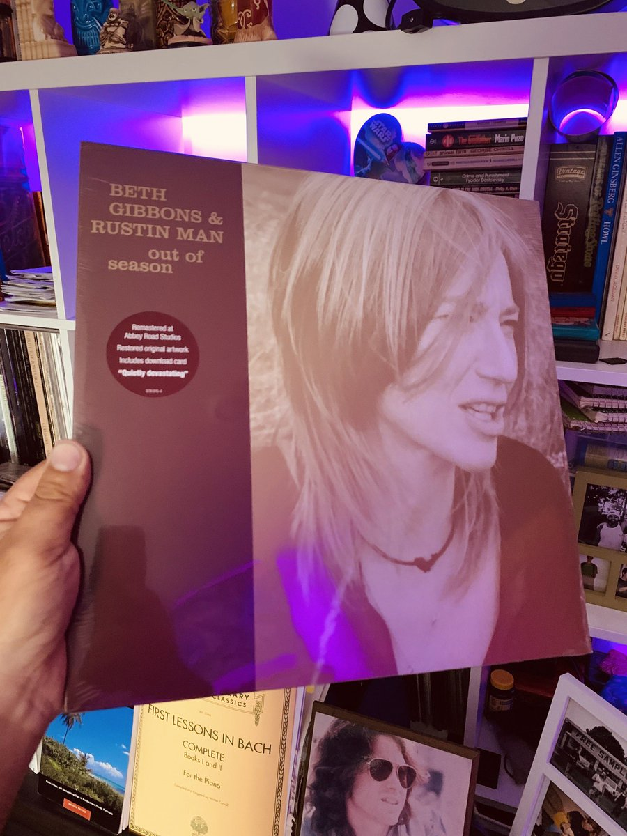An Album of Epic Proportions  #newvinyl #outofseason #bethgibbonsandrustinman @officialbethgibbons #2002 #vinyl #vinylgram #sodowhatyougottado #tomthemodel #musicislife #earthvsjazz   https://www.instagram.com/p/CAn2cNIhrnU/?igshid=47wumm2v5h0o…pic.twitter.com/wbW8evW1Tn