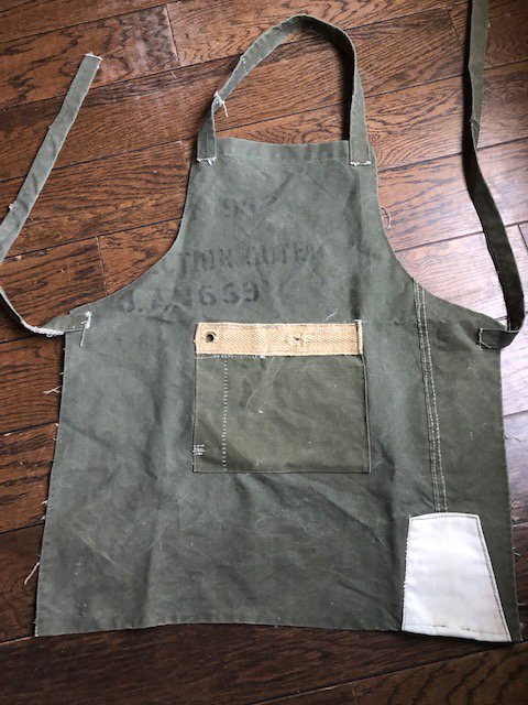 The new range is here and ready to go!!! Aprons upcycled from old tents!! #oldtents #icelandic #army #canvas #scouts #bbq #workshop #kitchen #upcycledpic.twitter.com/bE1CHbGgTW