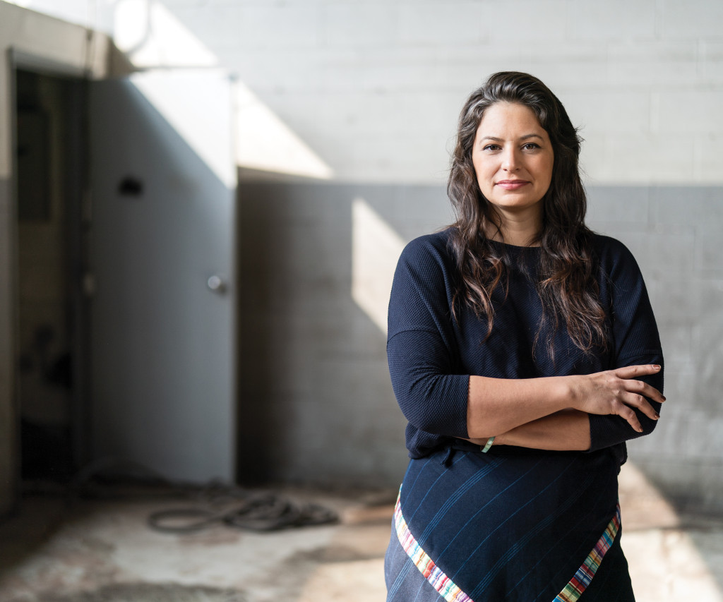 'Soundings' co-curator Candice Hopkins has had a busy career advancing Indigenous arts on the world stage, from @documenta_14 & @SITESantaFe to the new @TorontoBiennial. Learn more about her curatorial practice in this in-depth feature from @artnews https://www.artnews.com/artnews/news/candice-hopkins-12849/…pic.twitter.com/FBBfhsYnKQ