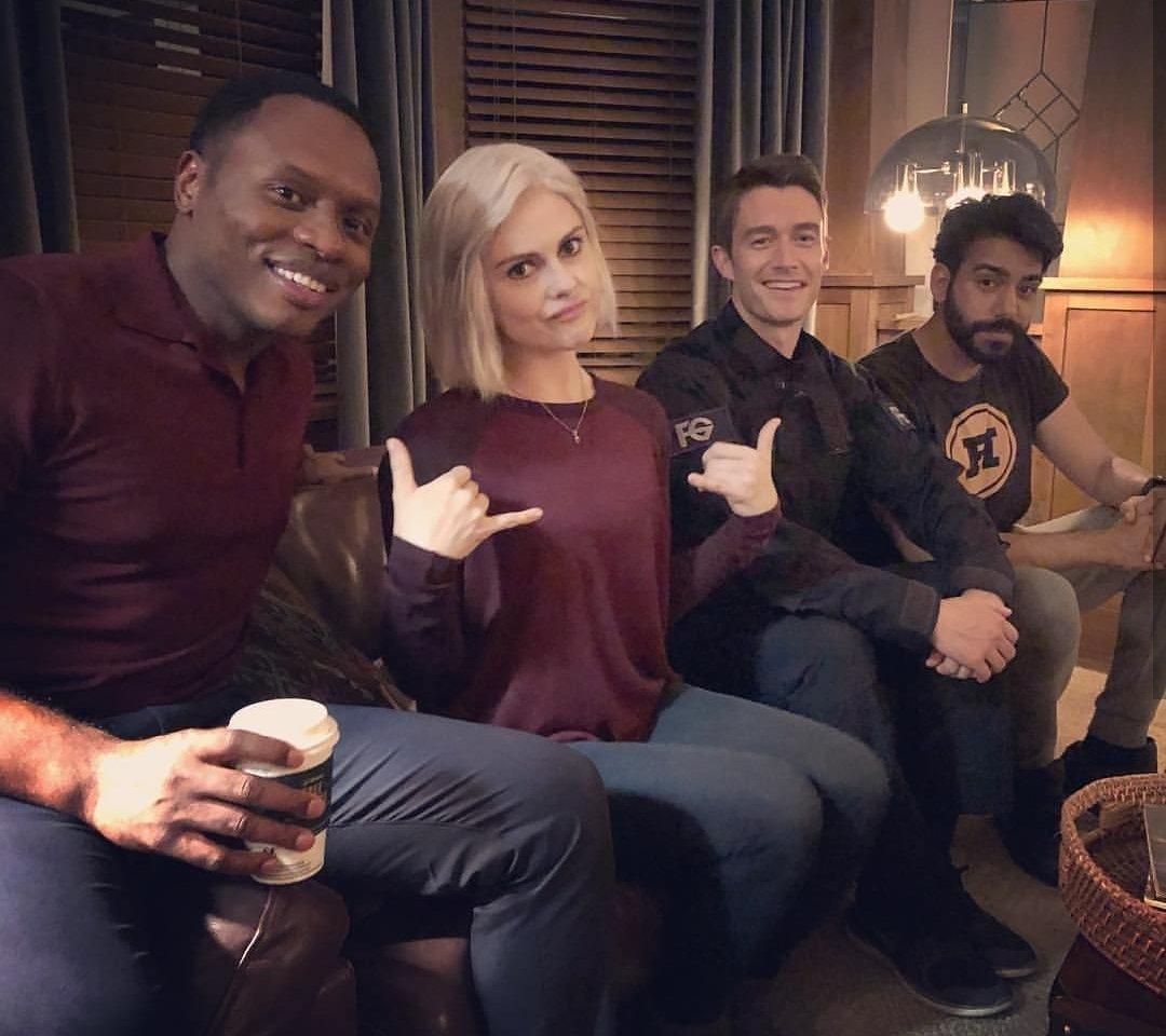 I really, really miss this show. The chemistry this cast had was unreal. #iZOMBiE @imrosemciver @malcolmjgoodwin @robertbuckley @RahulKohli13pic.twitter.com/rODqo38AyJ