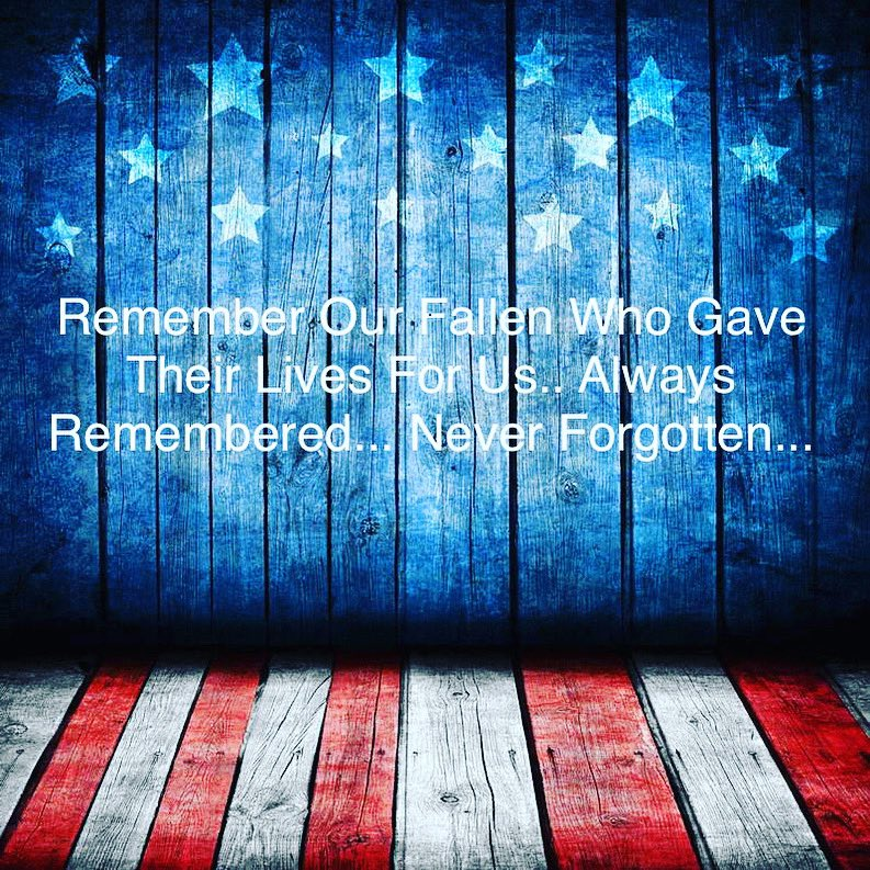 Today we honor our serving men, women, remembering our fallen who gave their lives for us. So that we might live free.    Always remembered ... never forgotten. #memorialdayweekend #neverforgotten #alwaysremember #honorthefallen