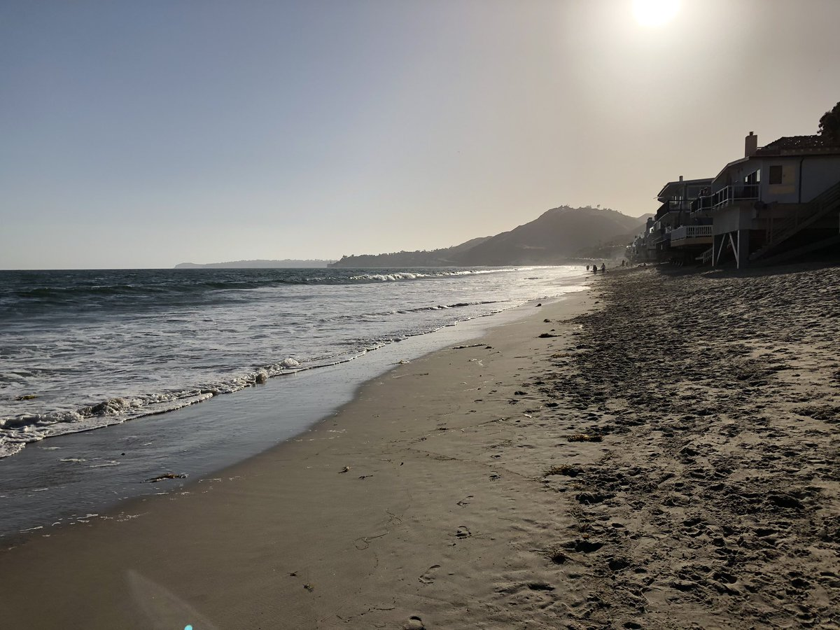 Sunshine, surf, social distancing. We are now able to be responsible and still get some exercise. I don't know when the gyms will open, but this wasn't a bad way to spend the time. Hello Monday  . . #Beach #Sun  #Monday #socialdistancing #Malibu #Actorslife #Photographypic.twitter.com/jxRtvYiTqe