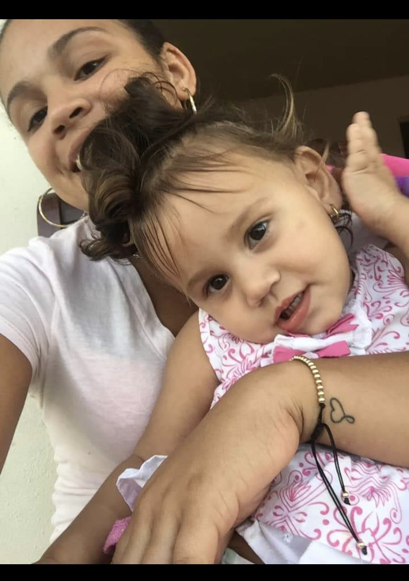 DOC. We have a little 3 year old member of our extended family who was just diagnosed with T1D in the Dominican Republic. She's still in the hospital and her young mother is going to need a lot of support. Does anyone know where or who I could direct her too in Santo Domingo? pic.twitter.com/d4Sr88kSfq