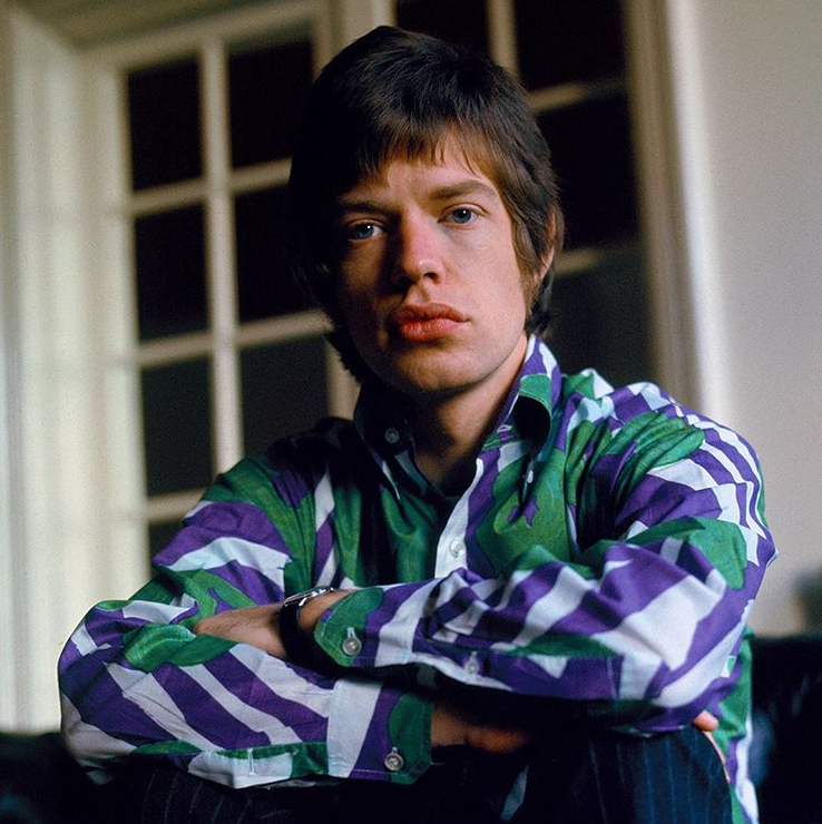 Mick Jagger at home in Harley House, London, 1966. 📷 Gered Mankowitz.