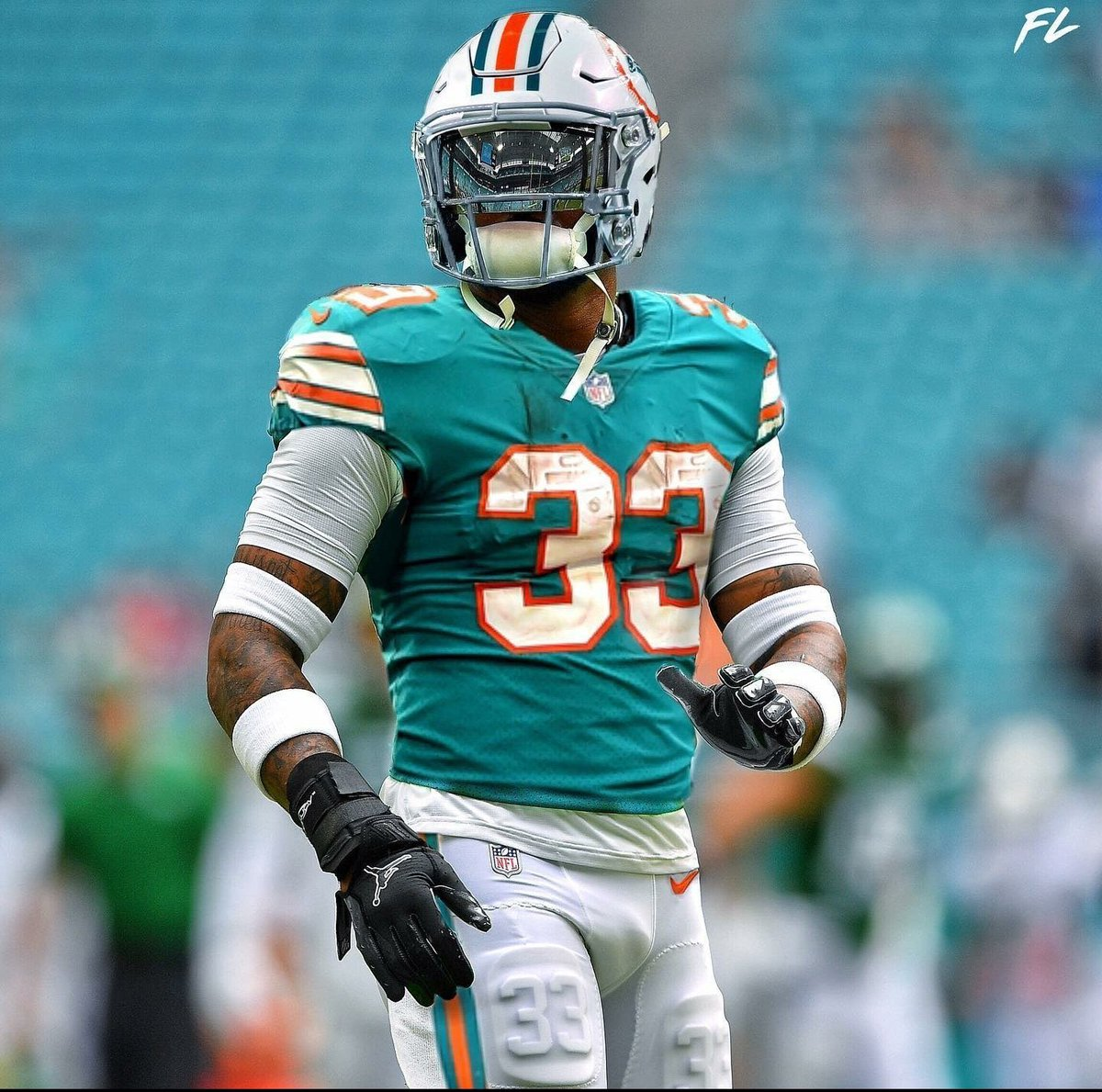If the Miami Dolphins trade for Jamal Adams, are we a playoff team? #MiamiDolphins #FinsUp <br>http://pic.twitter.com/5QZeFVsllY